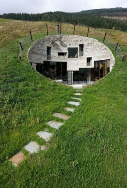 unique-bizarre-houses-23